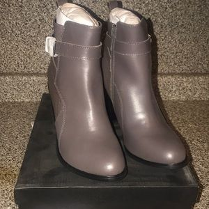 New With Box Shoemint Gigi Booties Size 7